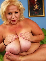 Wonder Tracy, a Hungarian handful, first caught our eye on Ifriends in the early 2000s. She was a very popular BBW model who blended a smoldering sexu