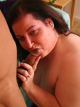 Sultry mature bbw Sassy takes cock plugging and enjoy nasty cum glazing in her mug
